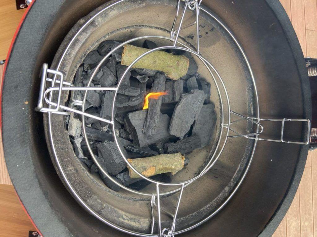 """Metalni nosač za wok, dolazi u kompletu s """"Divide and Conquer"""" sustavom"""